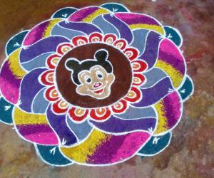 Rangoli: Free hand flower with smiley