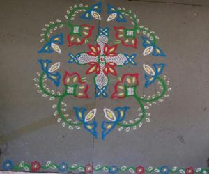 Rangoli: Margazhi Day 8 podikolam