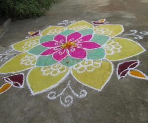 Rangoli: Freehand Diwali Rangoli