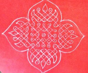 Rangoli: Simple Sikku using Chalk