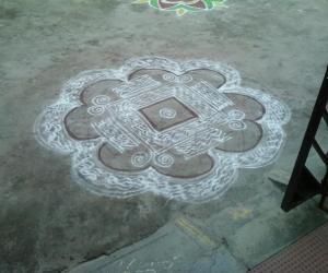 Rangoli: Makolam3