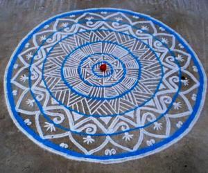 Margazhi  kolam on road-11