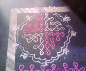 Rangoli: Maa Kolam for Navarathri - Dotted