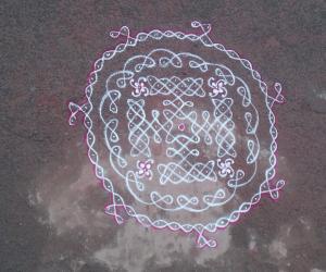 Rangoli: circular sikku kolam