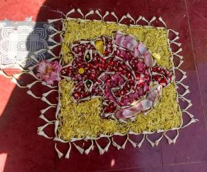 Rangoli: Ganesha pookolam