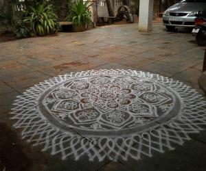 Rangoli: aadi perukku