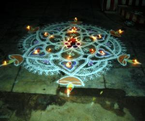 Rangoli: century kolam(karthigai kolam)