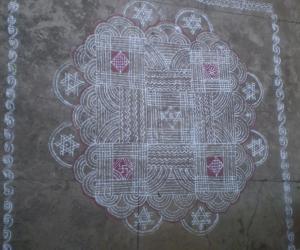 Rangoli: navarathri padikolam