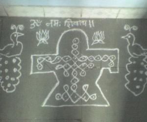 Rangoli: 10-1 sikku kolam of shiva lingam for Monthly shivaratri