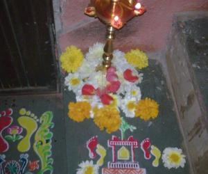 Rangoli: tulasi stencil rangoli