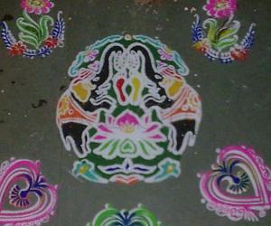 Rangoli: lakshmi padam stencil rangoli