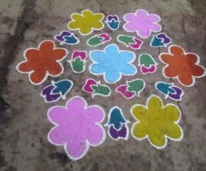 Rangoli: flower with bud kolam