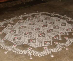 Rangoli: Dotted 3D kolam