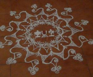 Rangoli: Purattasi Sanikizhamai Kolam