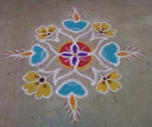 Rangoli: Diyas and flowers