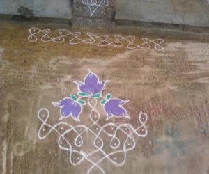 Rangoli: dotted small kolam