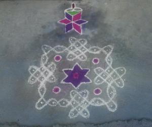 Sikku Kolam 2 by Amudha Giri