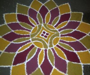 Rangoli: 16 petal lotus