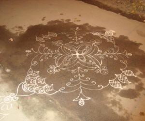 Rangoli: Just a random kolam