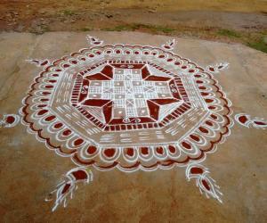 Rangoli: Aadi peruku rangoli