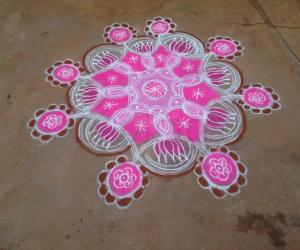 Rangoli: Navarathri Rangoli Day 8 - 2015