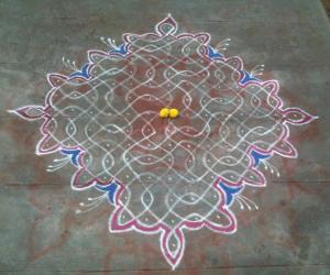 Rangoli: marhazhi kolam
