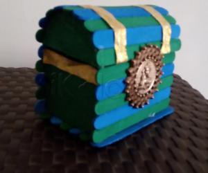 Jewelry box with popsicle sticks