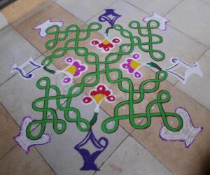 Rangoli: CHIKKU SMALL FLOWER POTS FOR DD