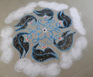 Day-6 Margazhi Kolam of Birds in the Sky