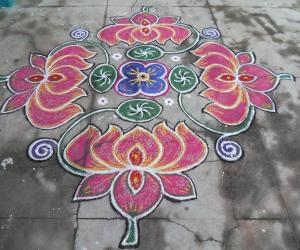 Lotus & leaf of lotus kolam