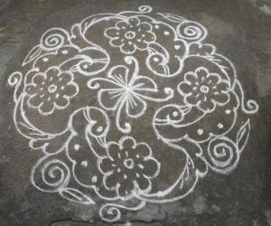 Bird & flower kolam.