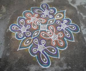Rangoli: Rev's new chikku creation.