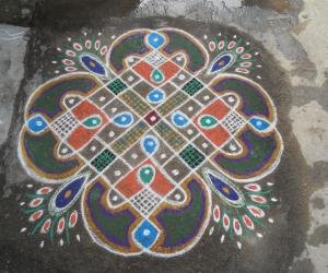 Rangoli: Rev's on the spot chikku kolam.