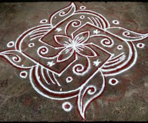 Rangoli: Rev's new daily kolam.