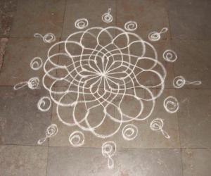 simple lotus shaped kolam