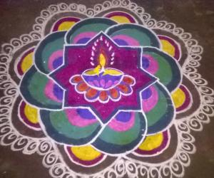 Rangoli: colourful deepam