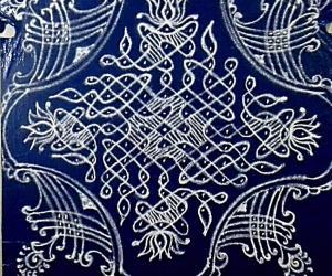 Rangoli: Chikku kolam with blue and white combo. 15-1 straight dots.