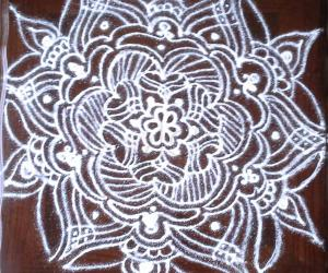 A freehand kolam for beginner