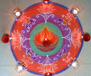 Rangoli: Diwali Rangoli / Karthigai Rangoli with colours