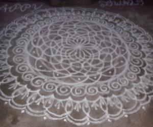 my first rangoli in iKolam