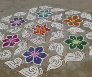 colourful sangu kolam