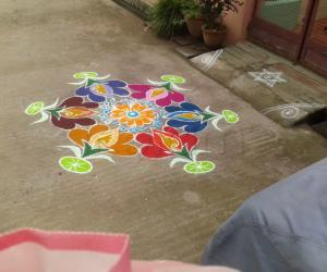 Rangoli: colour kolam
