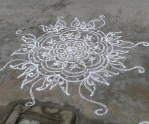 Rangoli: dd tuesday kolam