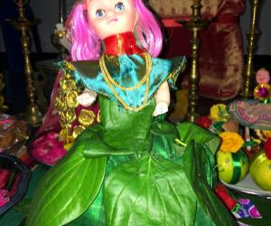 Doll with beetel leaves