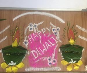 Rangoli: Diwali diyas...