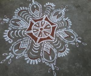 Rangoli: My first rangoli in ikolam!