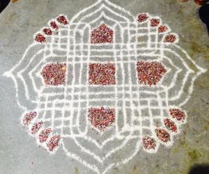 Rangoli: Small Padi Kolam with Glitter