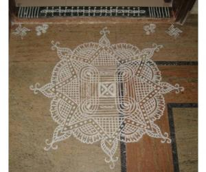 Rangoli: Navaratri Seventh day kolam