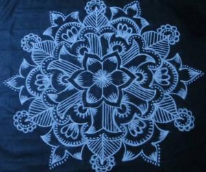 Free Hand Black and white Design