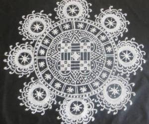 Rangoli: Fusion design in B & W